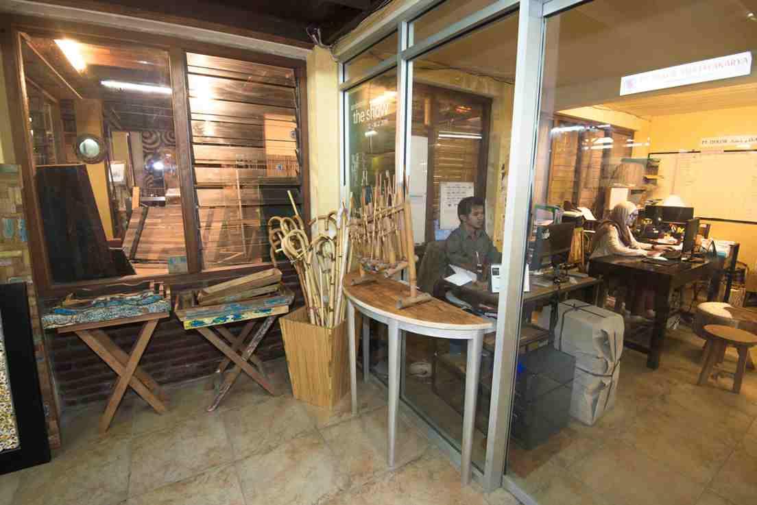 Dekorasia office showroom 02 bamboo for Dekor international pt