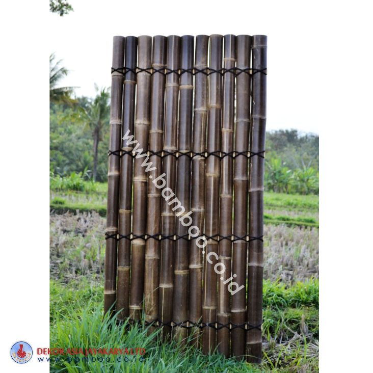Black half bamboo fence with 4 back slats and black  coco rope