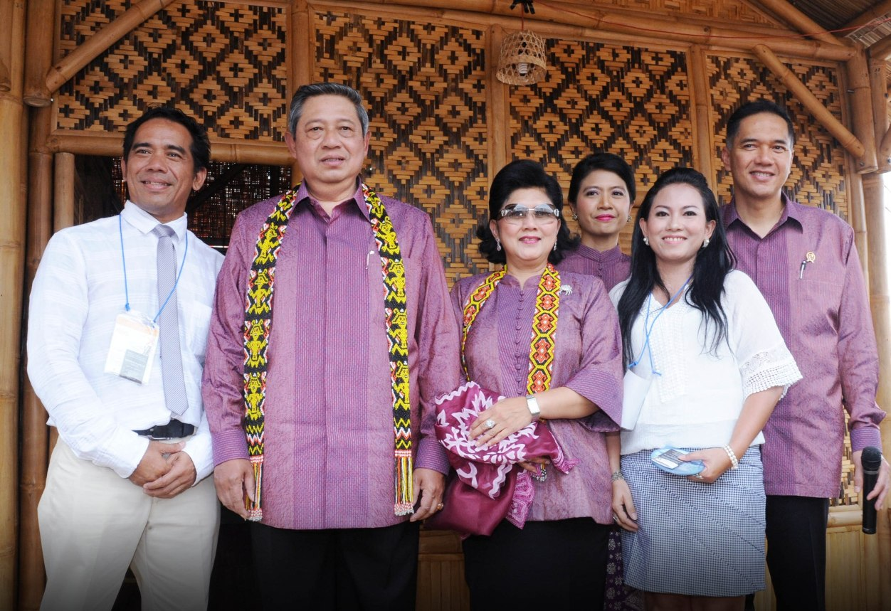 PRESIDENT AND TRADE MINISTER OF INDOONESIA